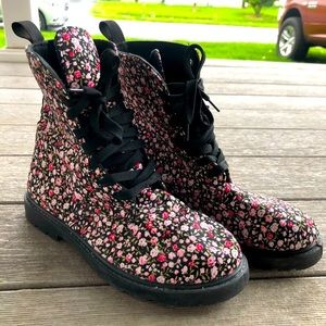Floral combat canvas boots